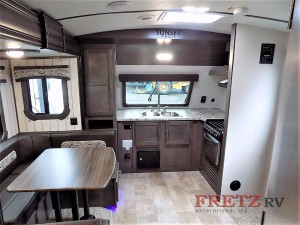 CrossRoads RV Sunset Trail Super Lite Interior