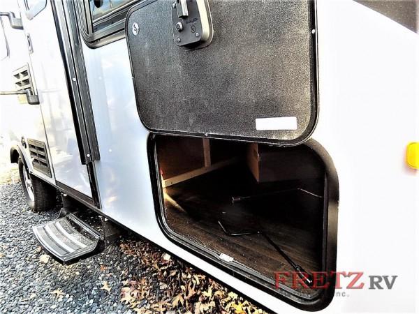 Micro Minnie travel trailer exterior