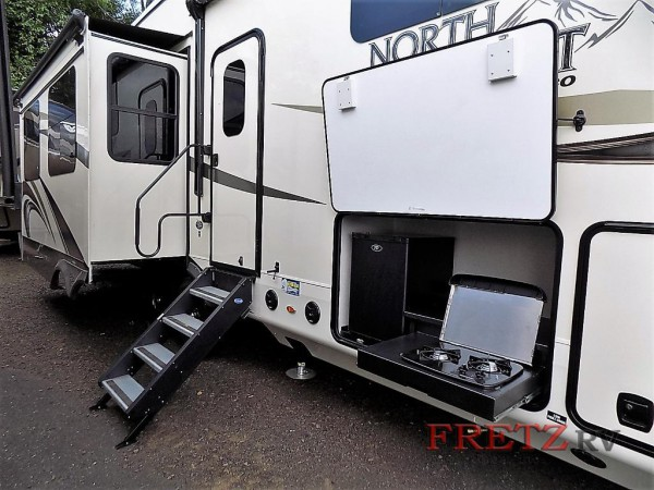 North Point fifth wheel exterior