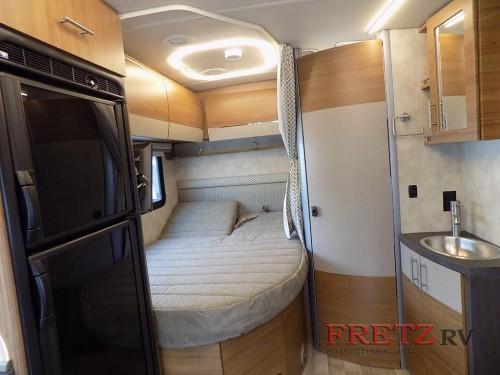 Winnebago Navion 24J Class C Motorhome Bed