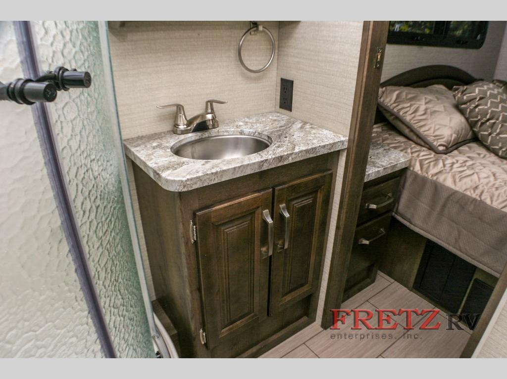 Jayco Greyhawk 31F Bathroom