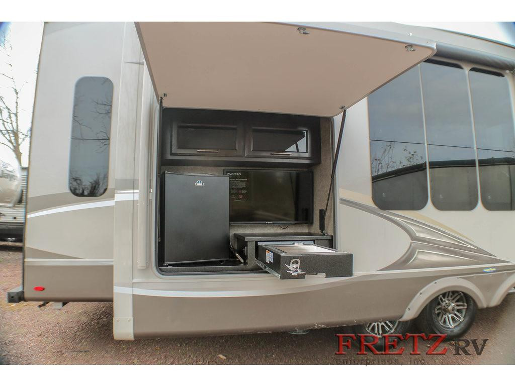 Fretz Jayco Eagle Outdoor Kitchen