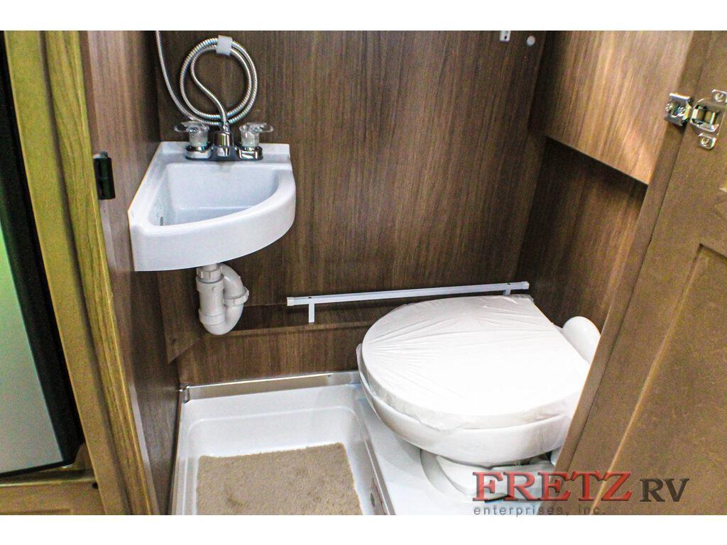 Pleasure-Way Ascent Bathroom